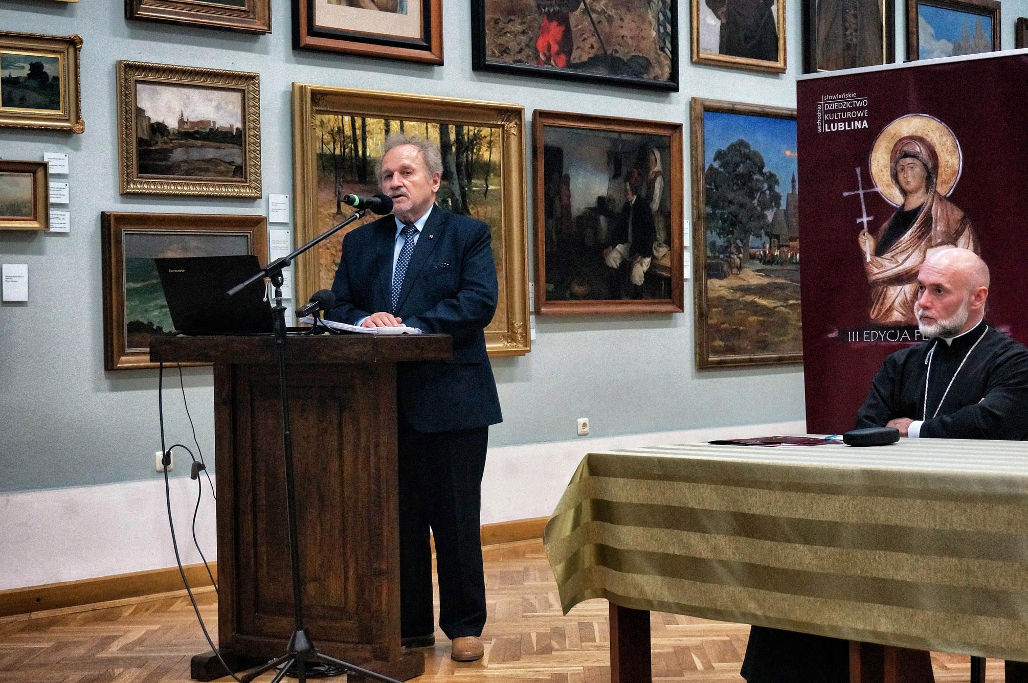 Wykład głosi dr Jan Sęk